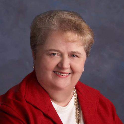 Headshot of Elsa Manthey